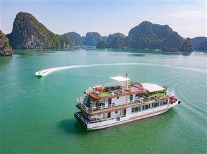 Kinh nghiệm chọn tàu tham quan đảo ngọc Vịnh Lan Hạ tại Cát Bà