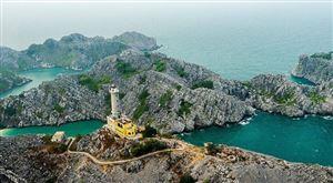 Khám phá đảo Long Châu - nét đẹp hoang sơ với ngọn hải đăng trăm tuổi