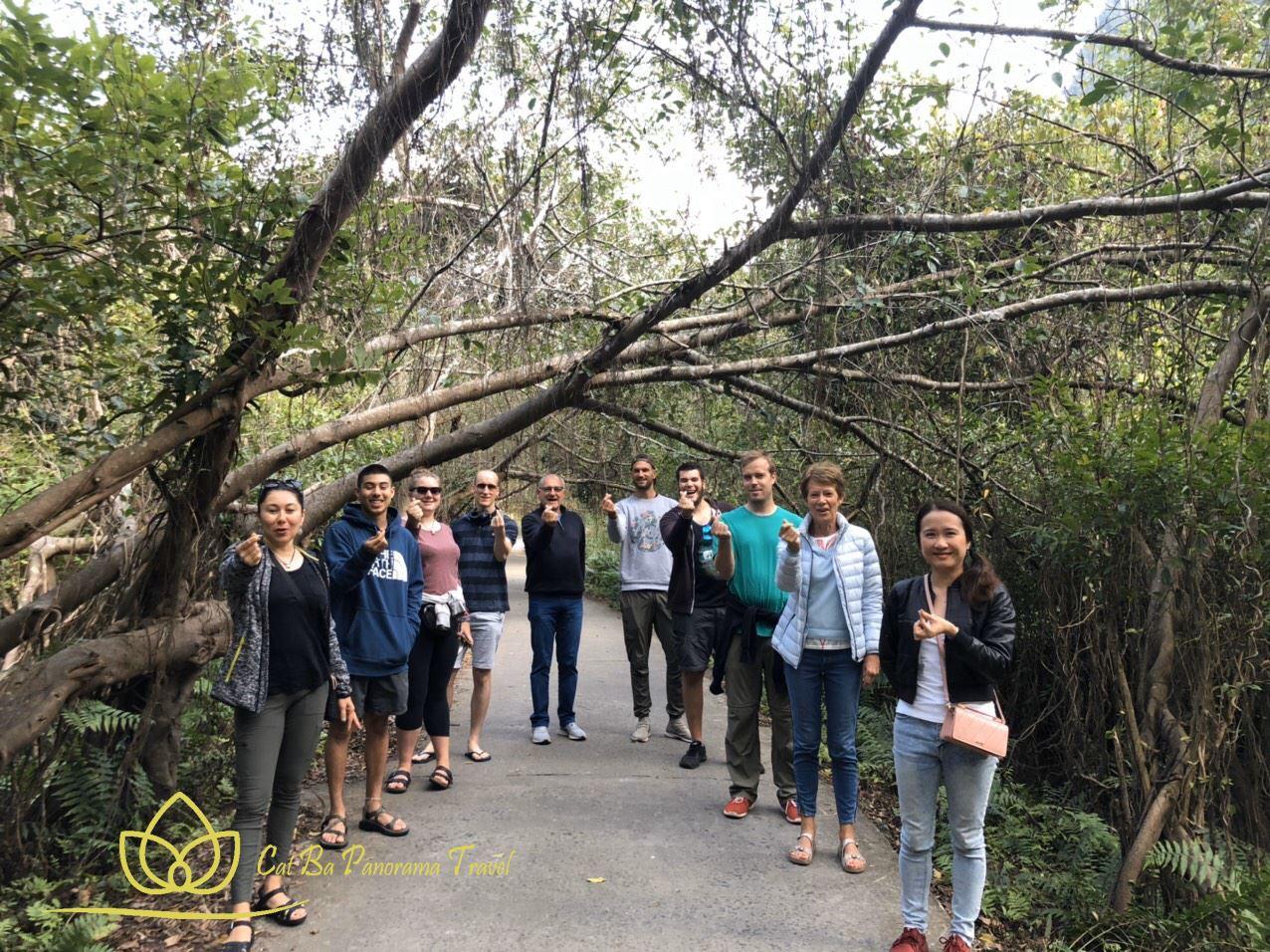 Làng chài Việt Hải - Nơi yên bình được bao bọc bởi biển rừng